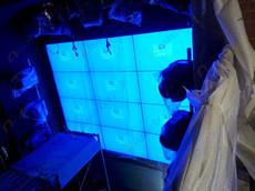 天津【棠柋Lounge】酒吧安装艾维图20台47寸液晶拼接屏