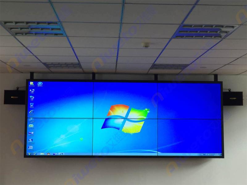 吊装式55寸液晶拼接屏应用:四川成都西南油气田技术学院