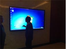 【东莞触摸一体机价格】艾维图2台86寸触摸会议一体机进驻广东安尔发智能科技